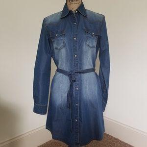 NWT Wrangler Denim shirtdress. Size M.